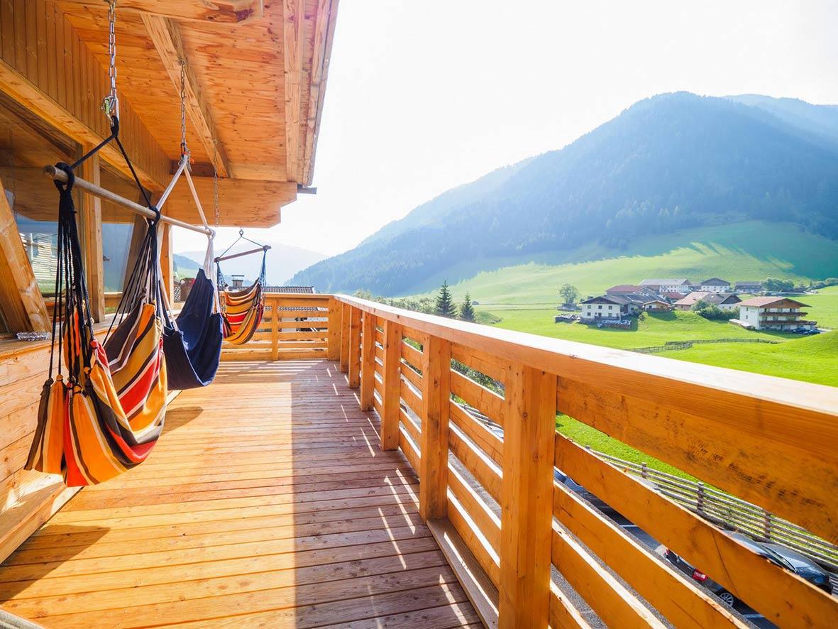 almis-balkon-insideoutyoga